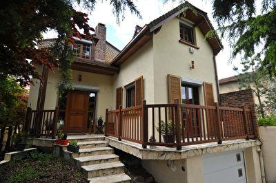 Maison Champigny Sur Marne 6 pieces 170 m2