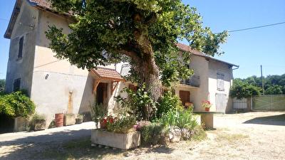 Maison Saint Genix Sur Guiers 8 pieces 145 m2