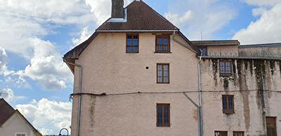 Les Echelles, Maison de ville a renover