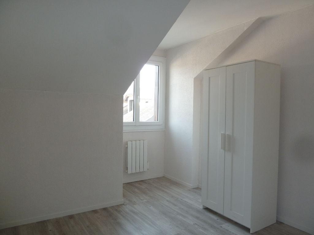 Appartement  T1 bis en résidence.