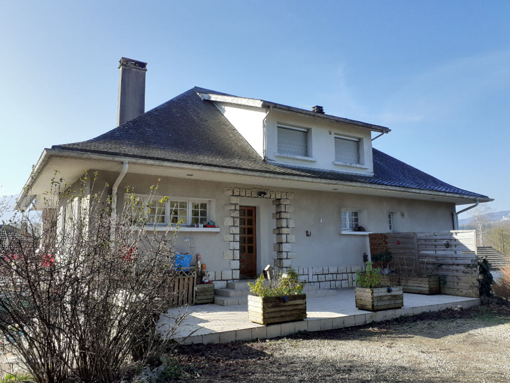 Maison d'environ 160 m² avec appartement indépendant