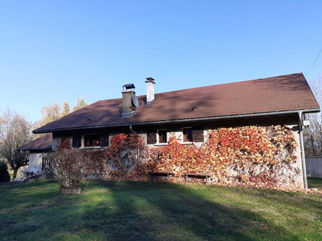 Maison Proche du Lac d'Aiguebelette