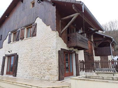 Magnifique maison en pierres entierement renovee