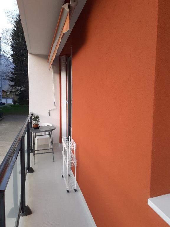T3 avec balcon cave et garage