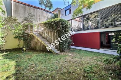 Maison familiale avec jardin et terrasse proteges - garage - sous sol total - 7 Pieces - 5 chambres- 7mins du metro