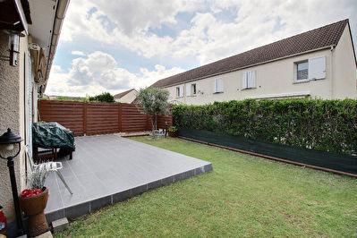 Maison env 100m2 au sol avec jardin - garage - tres bon etat general - calme et lumineuse