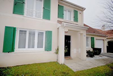 Maison Longpont Sur Orge 7 pieces 140 m2