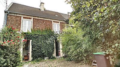 Maison Leuville Sur Orge 7 pieces , 5 chambres, 121 m2, terrain 564