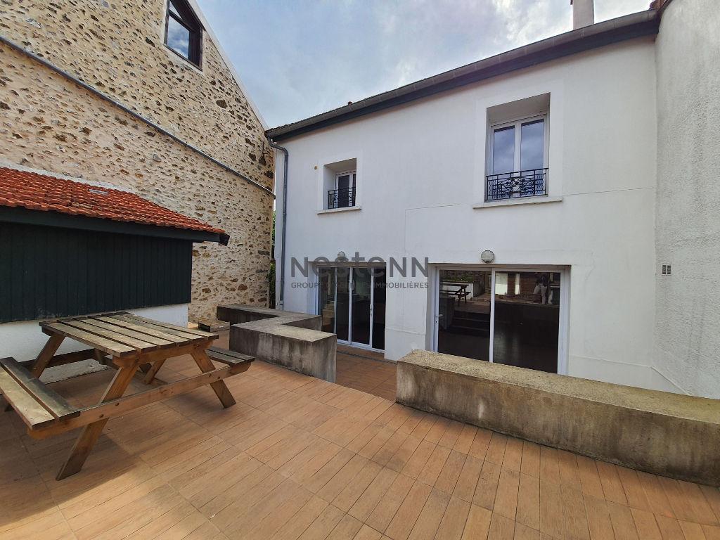 Maison Leuville sur Orge 7 pièce(s) - 4 chambres - 150 m², terrain : 271 m2