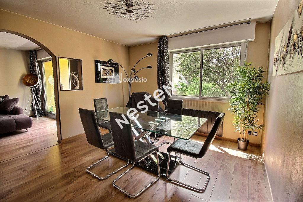 photos n°1 Appartement 4 pièces de 88m2  QUARTIER PISCINE