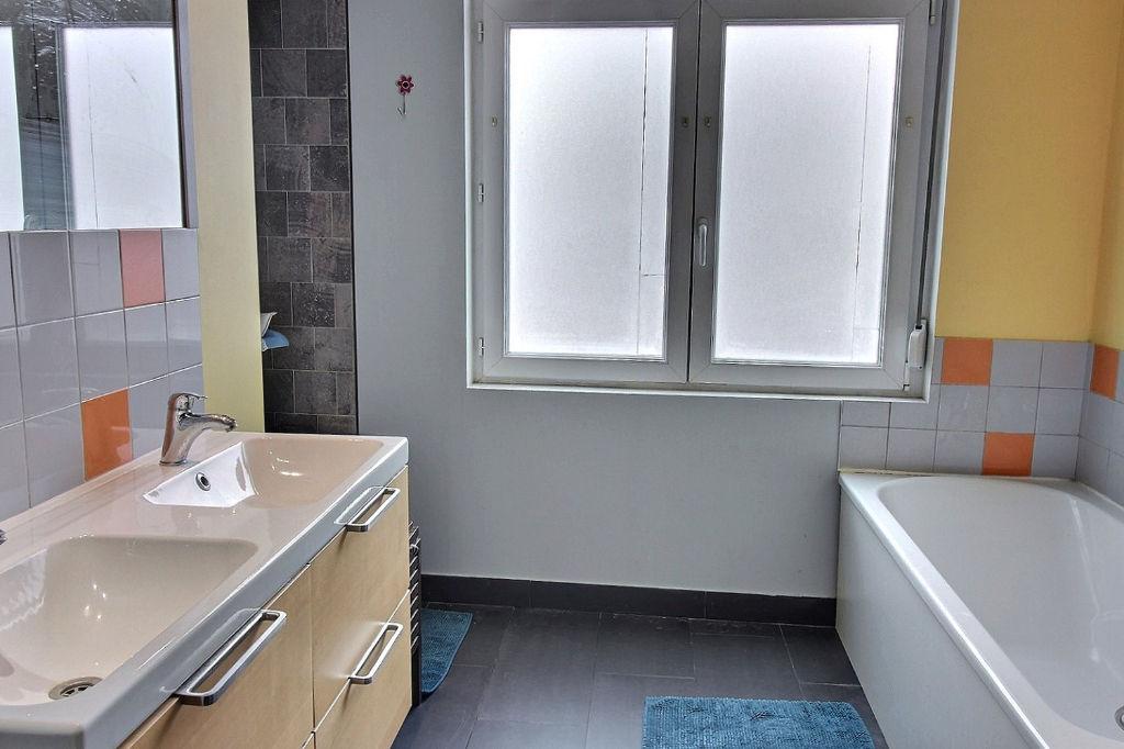 Maison FAMILIALE - 145 m² Ce bien dispose de la SECURITE REVENTE