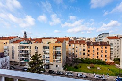 Lyon 2 / Proche Gare Perrache, Au dernier etage, 6 pieces de 135 m2 + Garage