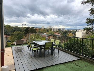 Unique Saint-Just / Trion T4 de 80 m2 avec terrasse de 57m2