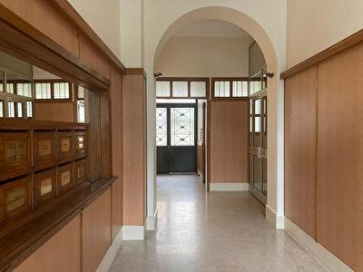 Produit d'investissement rare en plein de coeur de Lyon, studio meuble en dernier etage