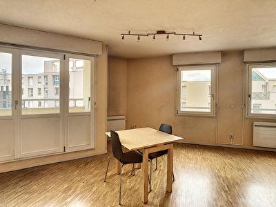 Coeur Part-Dieu, appartement de 43m2 en dernier etage avec garage