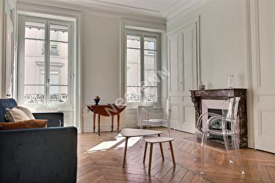 Appartement Brotteaux T3 meuble renove 73 m2 - Proche Part dieu
