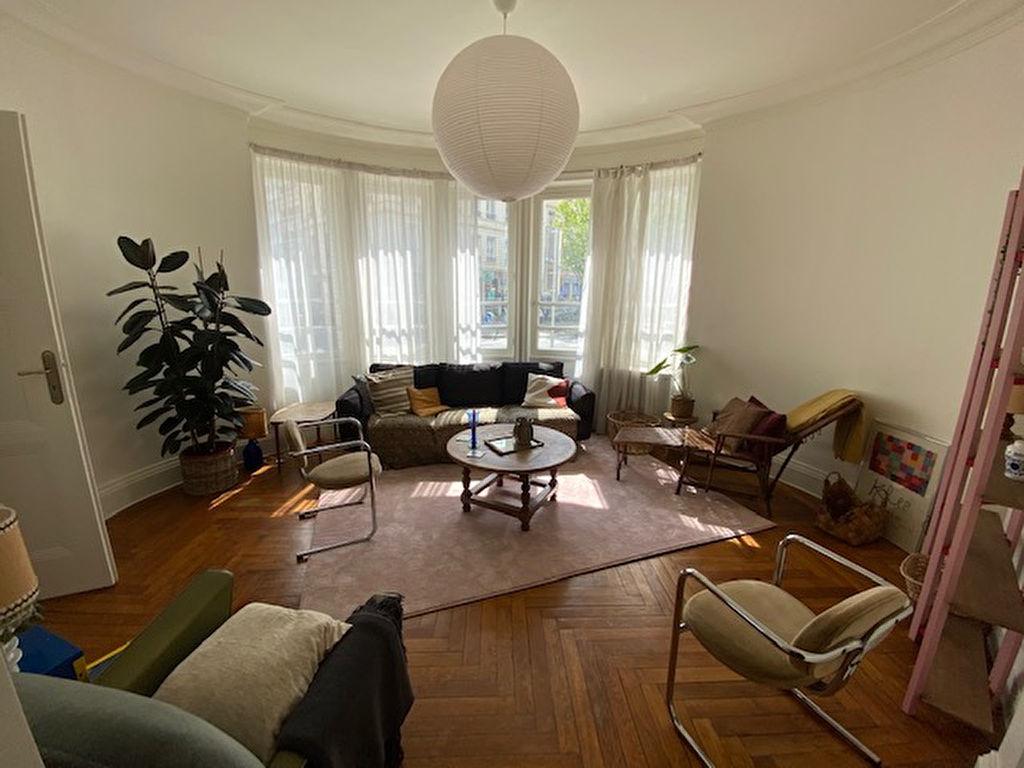 photos n°1 LYON 6 , Triangle d'Or , appartement de type 5 d'une surface de 111 m2