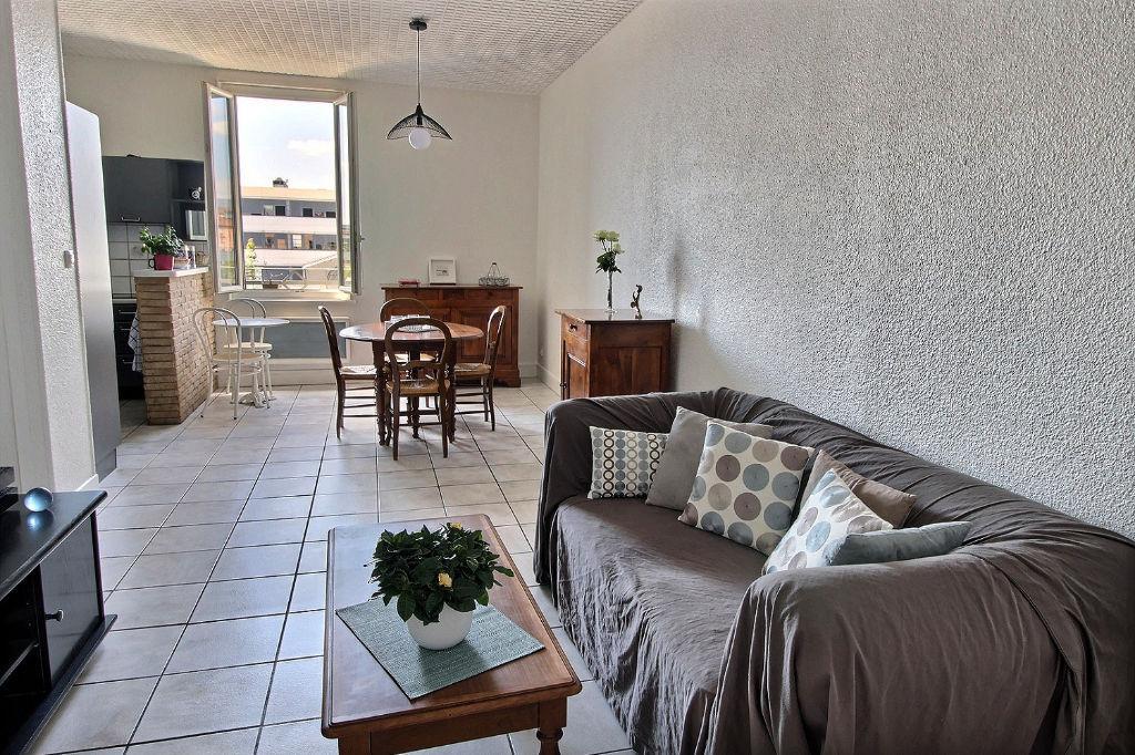 photos n°1 Appartement T4, Monplaisir