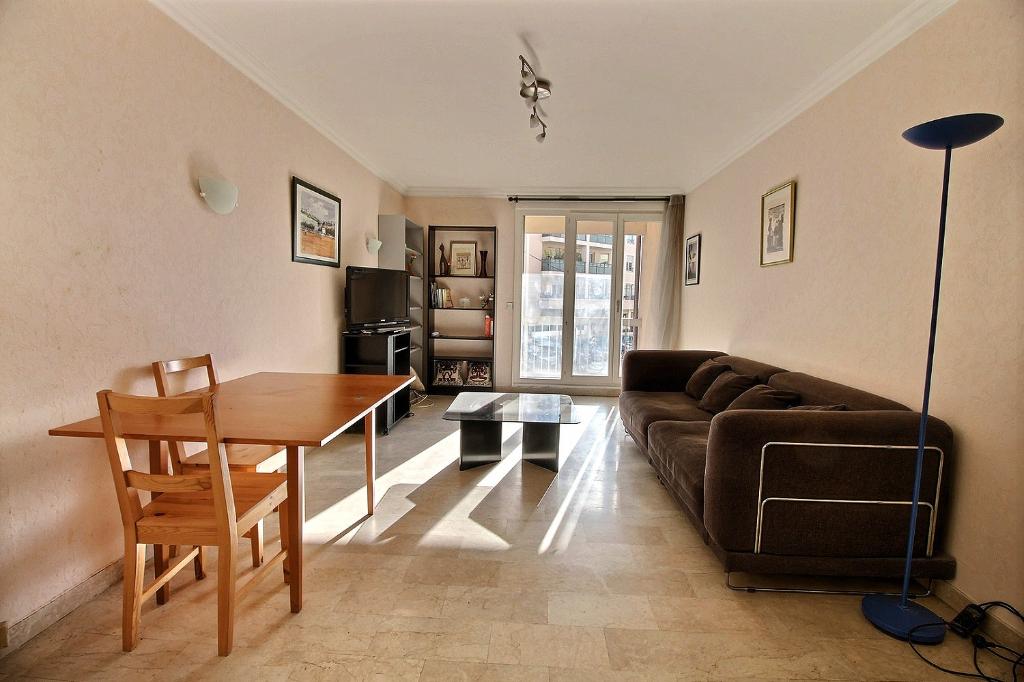 photos n°1 Appartement Lyon 3 pièce(s) 68 m2