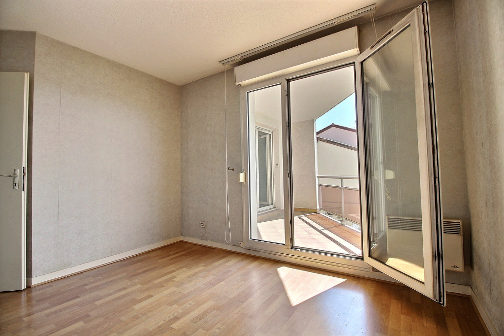 photos n°1 Appartement  5 pièce(s); 4 chambres,  116m²