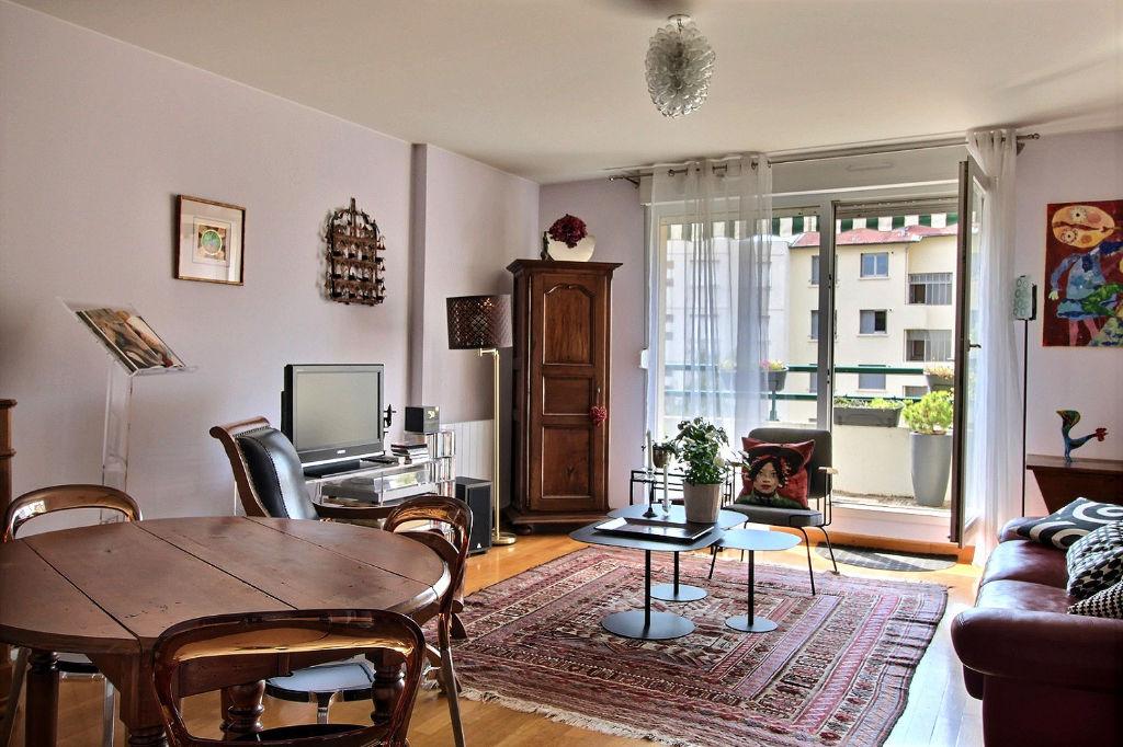 photos n°1 Appartement Lyon 3 pièce(s) 69m²