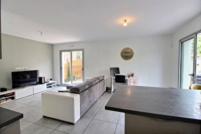 Maison Lyon 8, 4 pieces 84 m2 au calme