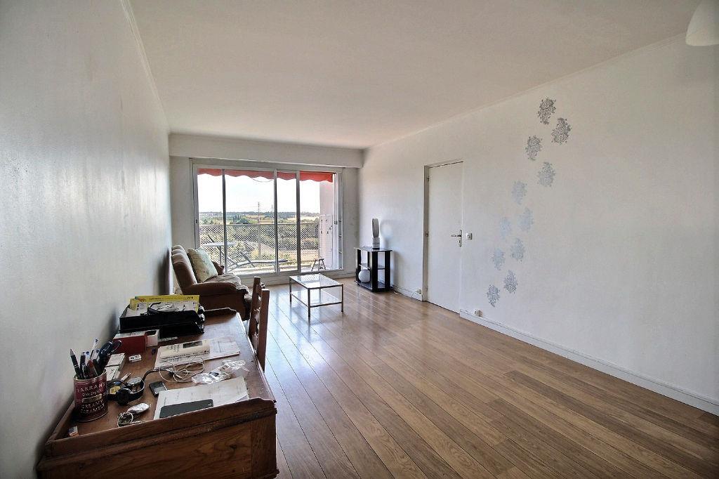 appartement massy 4 pieces de 80m2. Black Bedroom Furniture Sets. Home Design Ideas