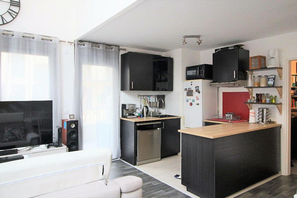 appartement massy 5 pieces en duplex de 91 m2 avec. Black Bedroom Furniture Sets. Home Design Ideas