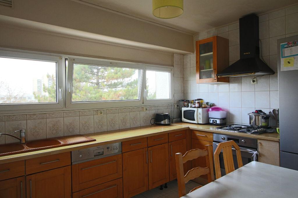 Appartement  4 pièce(s)85.28 m2 avec balcon