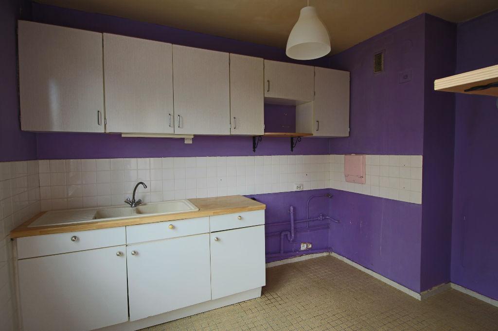 Appartement  3 pièce(s) 70 m2 avec loggia et cave privative