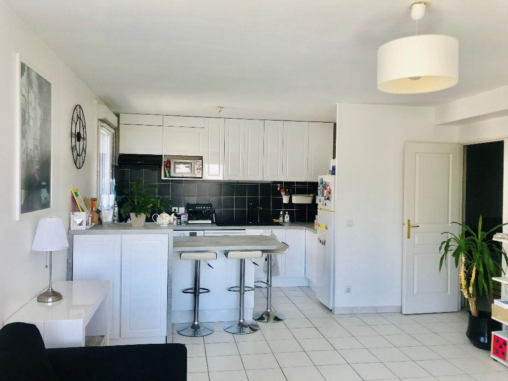 photos n°1 Appartement Massy 3 pièce(s) 62 m2 avec balcon-terrasse de 9m²