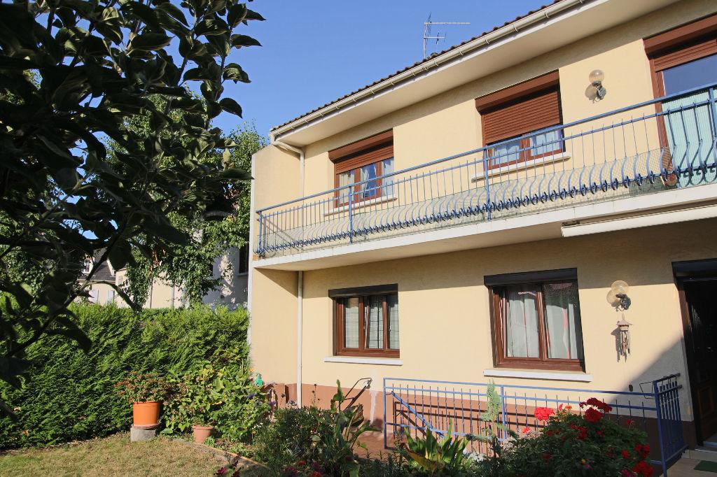 Immeuble  230 m2 quartier Parc Heller Terrain 440 m²