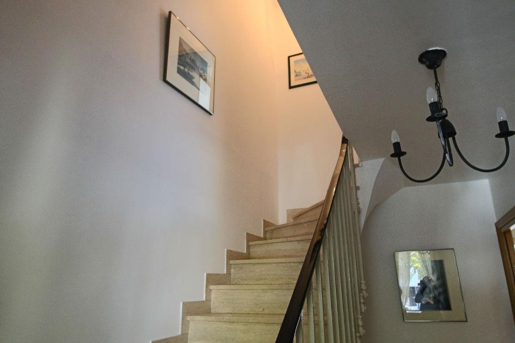 photos n°1 Maison de  230 m2  avec terrain de 440 m² quartier Parc Heller