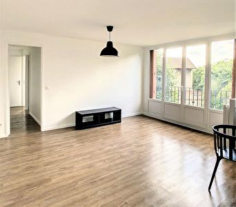 MONTREUIL, boulevard Aristide Briand, appartement 3 piece meuble de 67m2