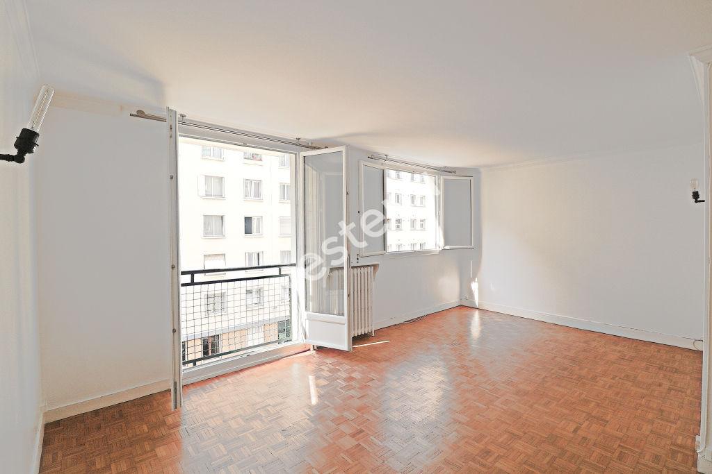 photos n°1 Appartement Paris 3/4  pièce(s) 63 m2
