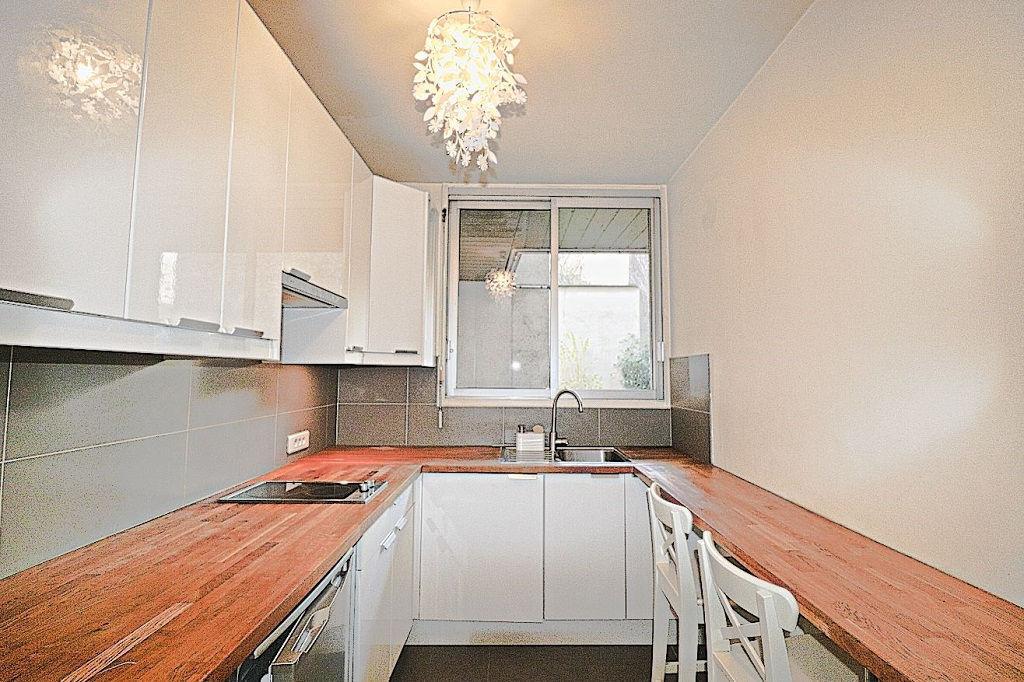 Appartement Paris 1 pièce(s) 33.01 m2