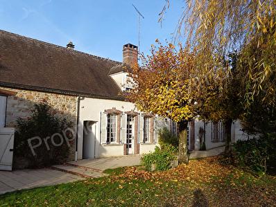 Maison Nogent Sur Seine a 10 Mn  6 pieces