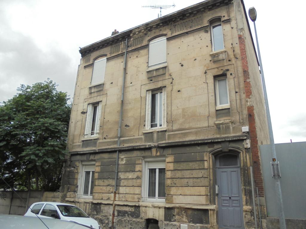 REIMS  / GARE CENTRE - Appartement Type 2  de  35 m² - vendu loué
