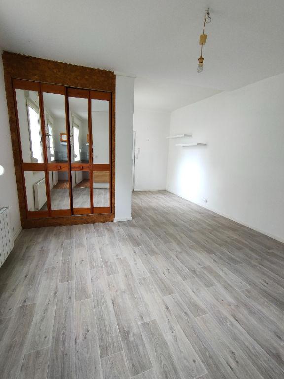 REIMS - GRAND STUDIO BARBATRE / CENTRE - 30 m2