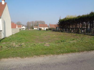 Terrain a batir d'une superficie d'env. 600 m2 PROCHE FORET DE LAIGUE 60750