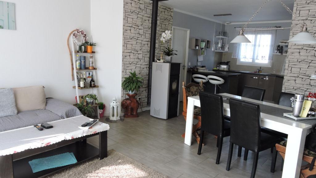 photos n°1 Tonnay Charente : Exclusivité : Plain pied récent 3 chambres + garage