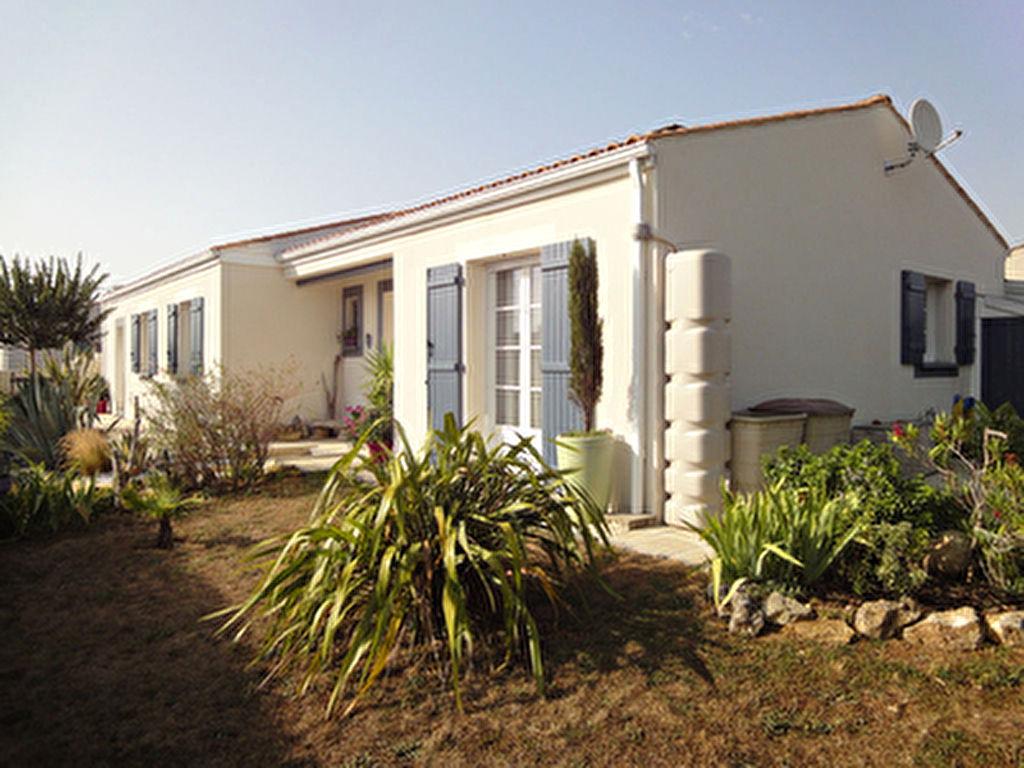 ENTRE ROCHEFORT ET SAINTES : PONT L'ABBE : Plain pied recent 4 chambres, en parfait etat !