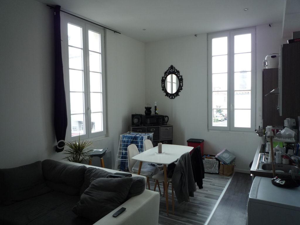 photos n°1 Appartement Rochefort 2 pièce(s) 33 m2