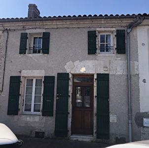 Maison Lussant 3 chambres 1 bureau, jardinet, garage