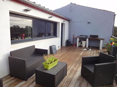 Soubise - Maison en etage en parfait etat avec garage et cour -A visiter !!!!