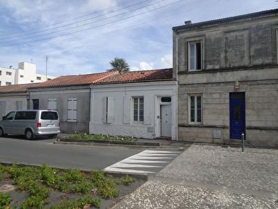 EXCLUSIVITE : ROCHEFORT  - MAISON DE PL.PIED - 3 CHAMBRES - TERRAINS ET 3 DBLE GARAGE