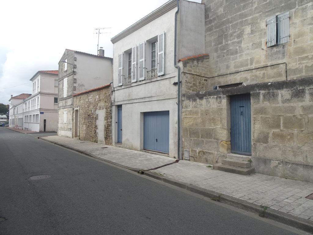 Rochefort - Maison en parfait état : 2 chambres - garage