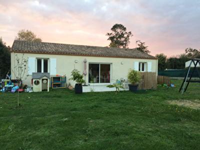 10 Min Rochefort - Saint-Hippolyte - Maison individuelle Pl.Pied -3 chambres-Garage