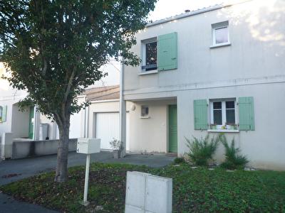EXCLUSIVITE : TONNAY CHARENTE : Maison 4 chambres+ garage en parfait etat