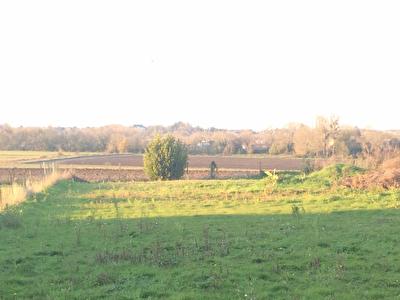 a 10 min Rochefort : Entre Tonnay Charente et Cabariot terrain de 1127 m2